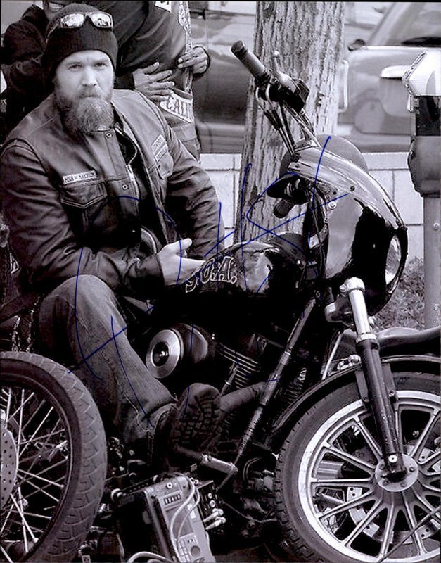 Ryan Hurst authentic signed 8x10 picture