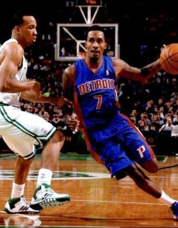 Brandon Jennings authentic signed 10x15 picture